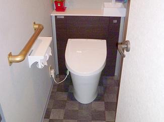 トイレリフォーム タンクレス風の実用的かつ斬新なトイレに